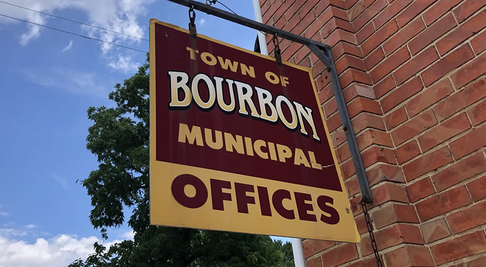 bourbon-municipal-offices-sign.jpg