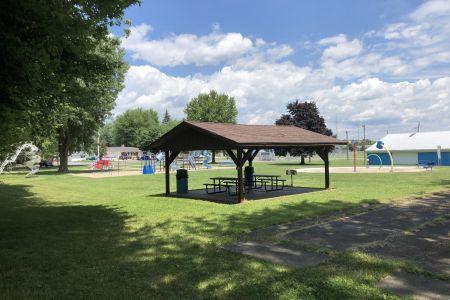bourbon-community-park-04.jpg