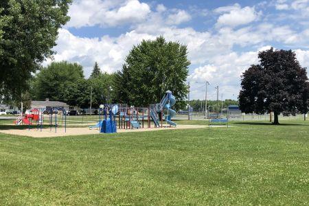 bourbon-community-park-05.jpg