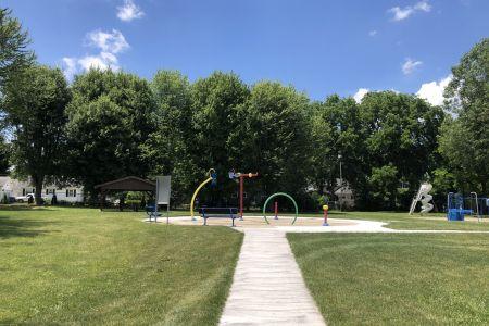 bourbon-community-park-02.jpg